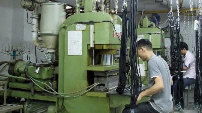 插头电源线厂家用的电线电缆是自己生产的还是外购的?